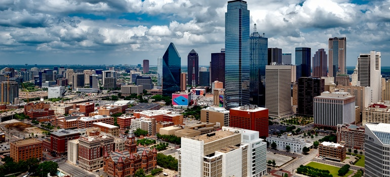 How to overcome challenges of moving to Dallas