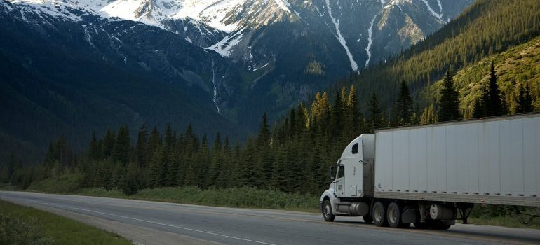 Moving truck - prepare for a nationwide move