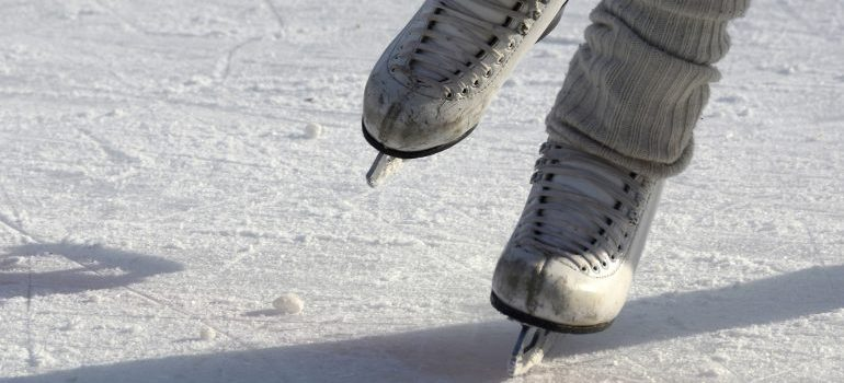 ice skating - winter activities in Fort Worth