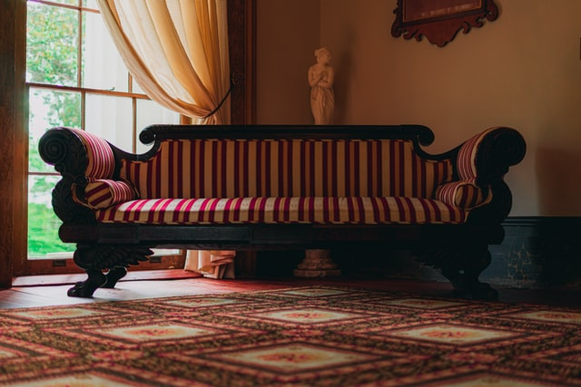 Moving antique furniture: how to prepare