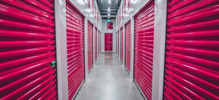 Storage facility that can help you avoid the disadvantages of in-home storage