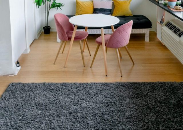 Preparing your carpets for storage in 3 steps