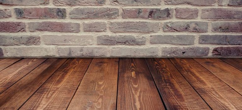 How to avoid damaging your floors when moving?